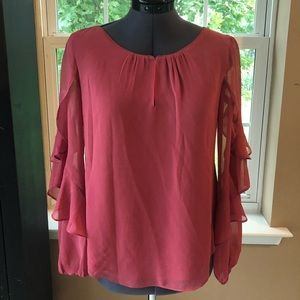 Coral flowy top with flounce sleeves